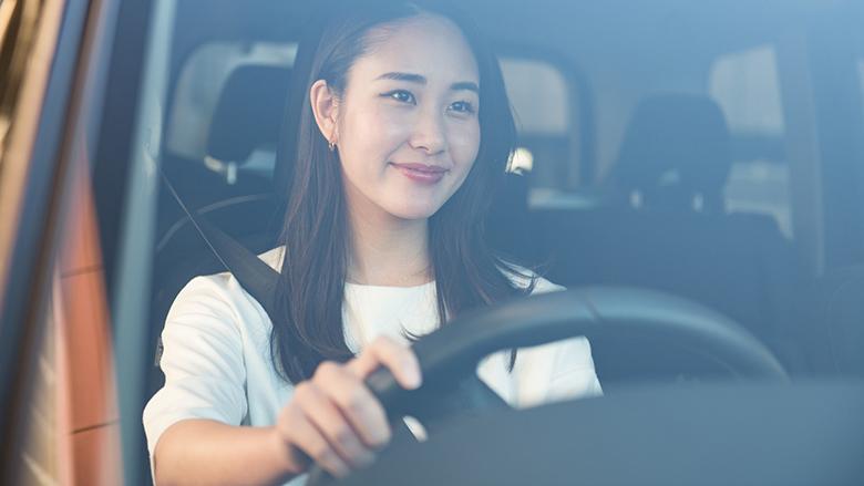 高い新車を毎月の負担を抑えて乗る方法とは?