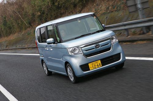 N-BOXは高い速度域でも車がしっかりと路面を捉える感じが伝わってきます