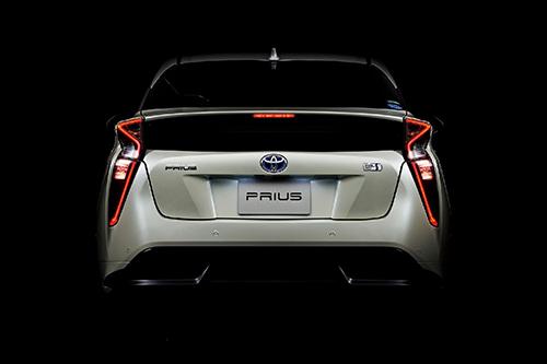 燃費性能は抜群、走行性能も進化したプリウス