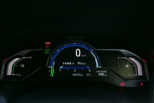 EVモードで100km以上走れる