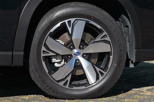 タイヤの印象はいい意味でX-BREAK と異なります