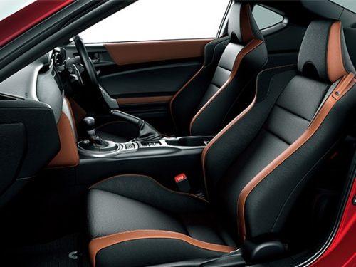"""高級素材アルカンターラを使用したシートが標準装備になる「GT""""Limited""""」/「GT""""Limited・Black Package""""」"""