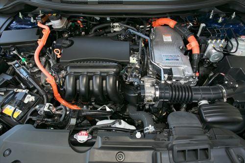 大きなバッテリー、小さなエンジン