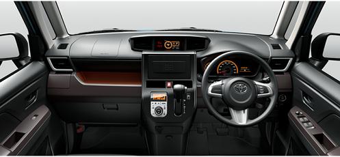 ダイヤル式のオートエアコンが装備され、センタークラスターパネルの質感がアップする「G」/「G-T」