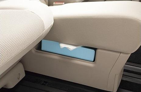 スマートマルチセンターシートにはティッシュボックスが収納できるスペースが用意されています
