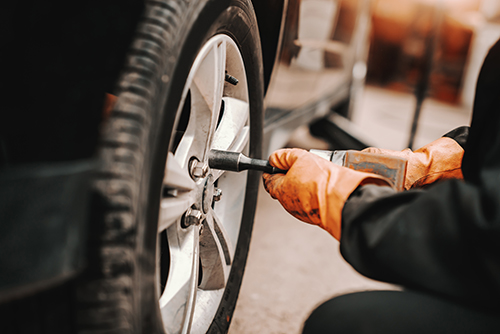 車のメンテナンスで必要なタイヤ交換