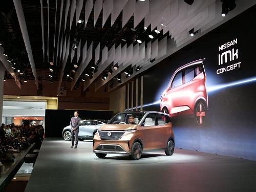経営をめぐるゴタゴタが続く日産だが、意欲的な2台の電気自動車のコンセプトカーを発表