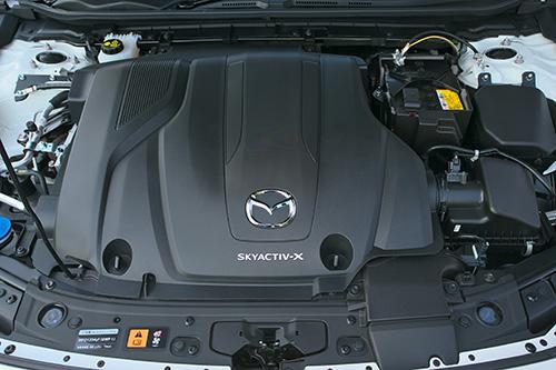 出力はノーマルの15%増し、燃費は同等のスカイアクティブX