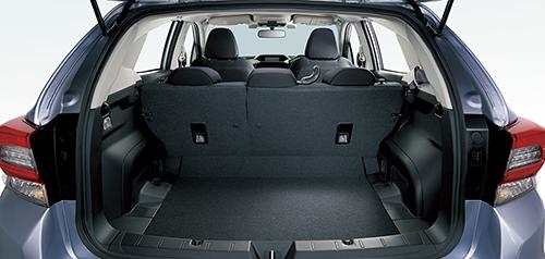 インプレッサスポーツの荷室の収納&座席アレンジ1