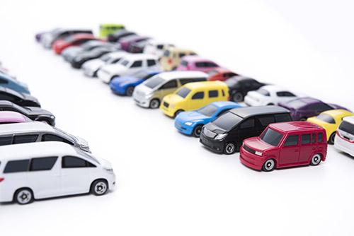 国産メーカーの全車種・全グレードから車を選べる