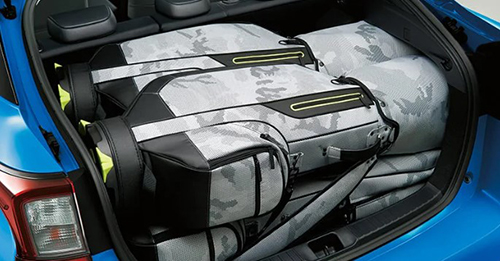 ゴルフバッグが4個収納可能