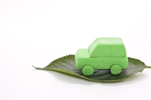 買い替える車を新車のエコカーにする