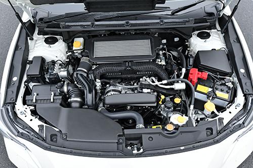 スムーズで静粛性の高い新型1.8Lターボエンジン2