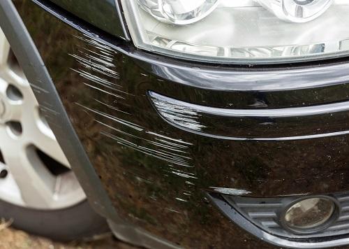 車の傷はどうやって消す?
