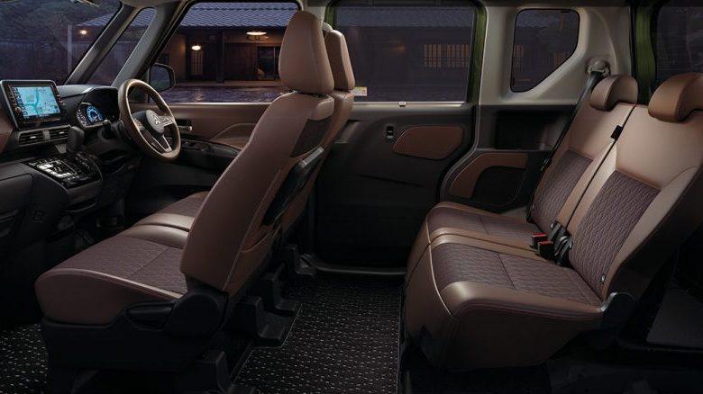撥水加工のシートが魅力!eKクロス スペースの内装を詳しくチェック