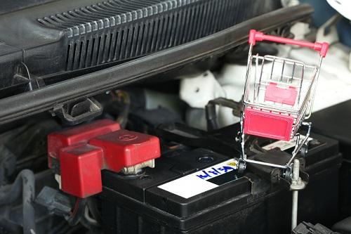 バッテリー交換の費用を安く抑える方法