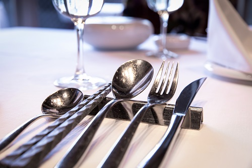 5. 外食費を平均額内に納められるように工夫する