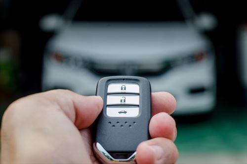 スマートキーの利便性とリスク、リース車の盗難防止策