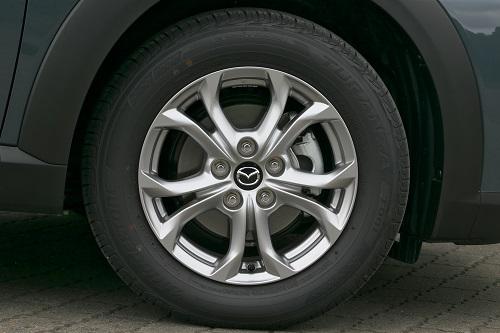 ロングセラーモデルだけに走りや安全装備には度重なる改良が2