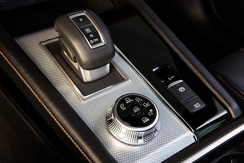 まずは2.5Lガソリン+8AT。4WDシステムはさらに進化