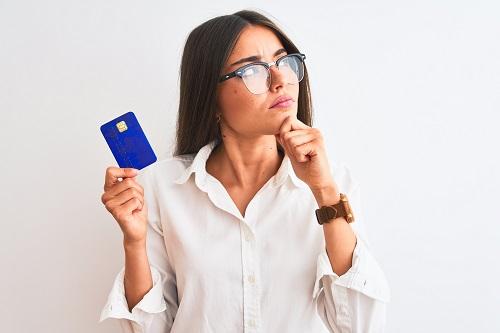 新車の購入にクレジットカードは利用できる?