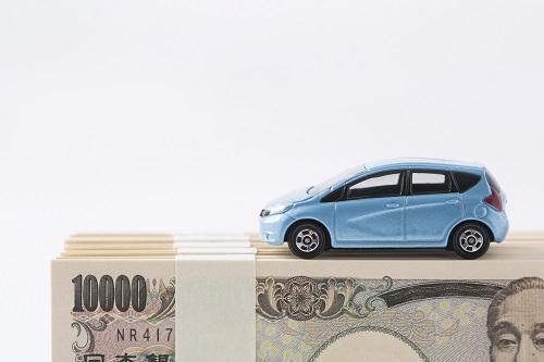 400万円の車、年収いくらならカーローンで買える?