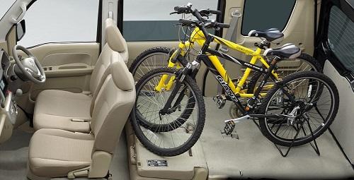 NV100クリッパーリオの荷室・座席アレンジ_02