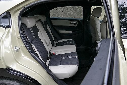 「実用性」光るヴェゼルの広さと使い勝手、MX-30の後席ドアも独自の魅力が2